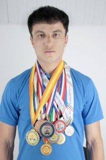 Khusrav Giyosov volunteers for children